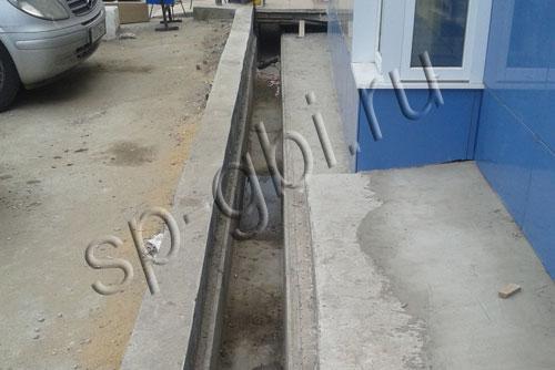 Монтаж лотков водоотводных Л-2-7